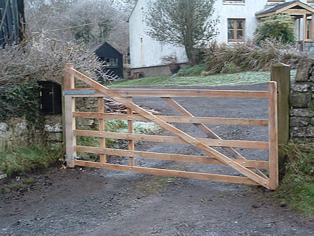 6 bar wooden gate