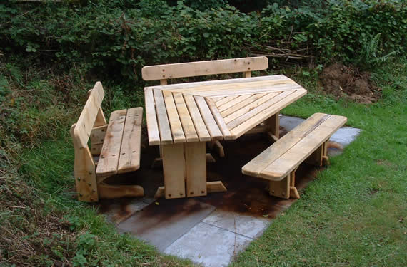 Three-sided wooden Picnic table
